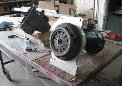 Étape no 4, installer des fixation pour l'adaptation de la transmision au moteur electrique.