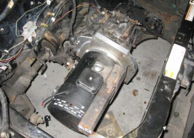 Étape no 6, Instalation du moteur lectrique et de la transmission dans la voiture.