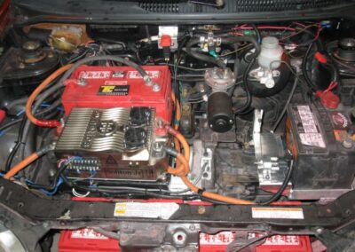 Étape no 7, instalation du converteur et de quelque battrie 12v sous le capot.