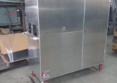 Boîtier électrique temporaire fabriqué pour Magny Électrique fermé