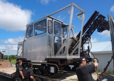 Cabine démontable pour le transport d'une foreuse, vue avant