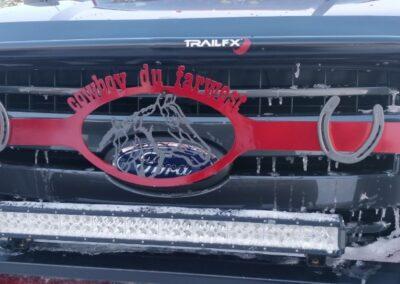 Plaque décoratrice pour devanture de camionnette