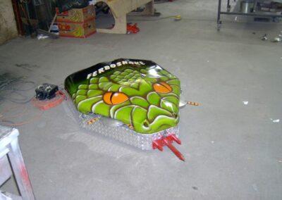 """Exibition d'un Robot pour un """"Robotwar"""" fabriqué par la Ferblanterie LM Bertrand."""